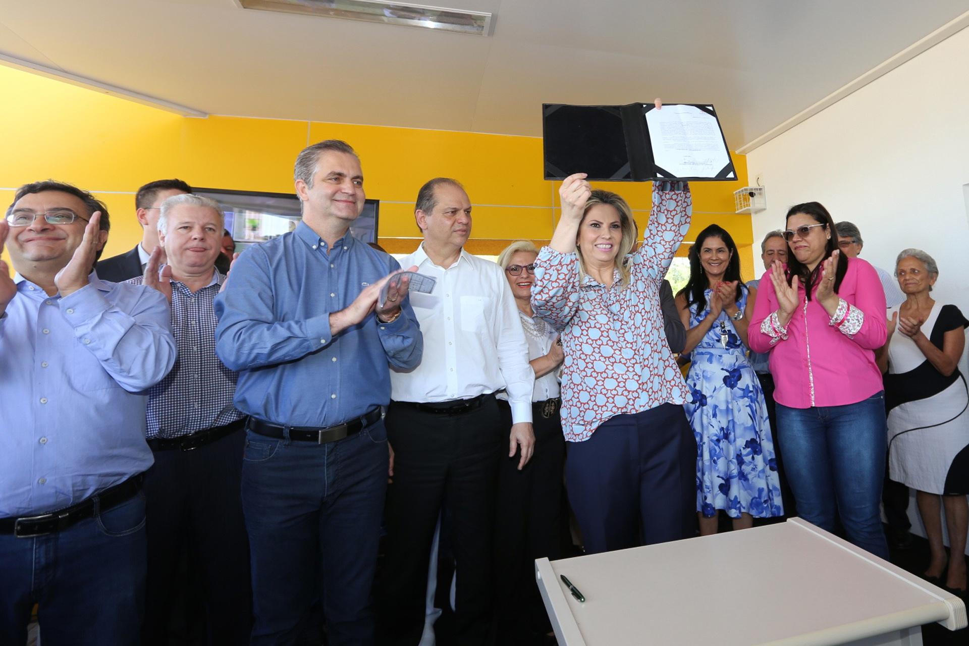 Cida Borghetti - Estado entrega novo Centro de Especialidades em Maringá